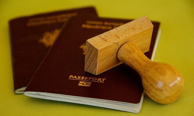 czerwony paszport