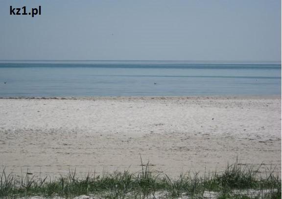 szeroka piaszczysta plaża na wyspie bornholm