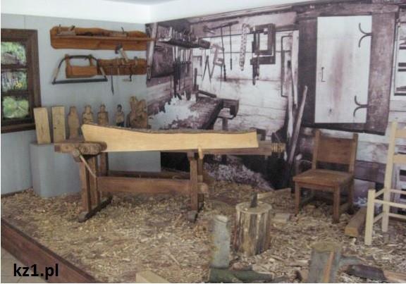 pracownia rzeźbiarska w skansenie