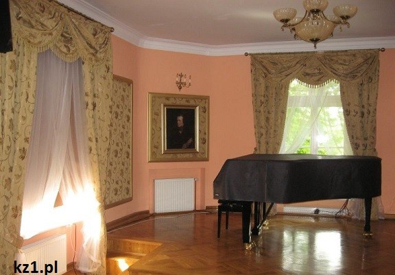 fortepian szafarnia