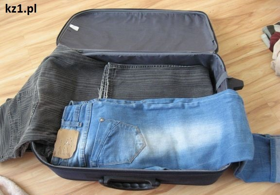 spodnie w walizce