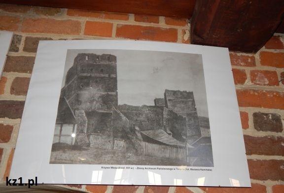 wnętrze krzywej wieży w toruniu