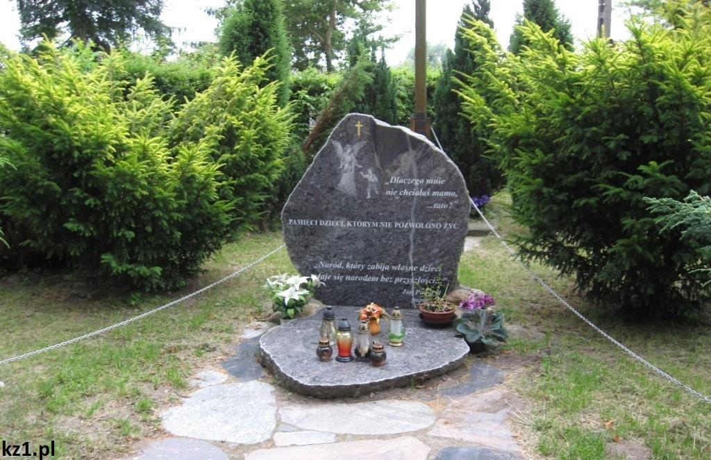 pomnik w stegnie