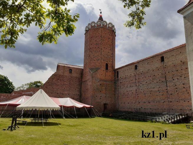wieża zamkowa w łęczycy na zamku