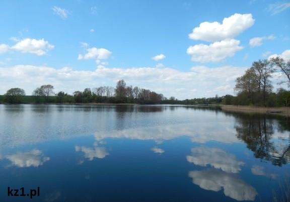 wiosnne jezioro