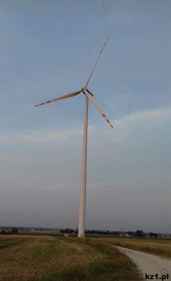 wiatrak bliżej