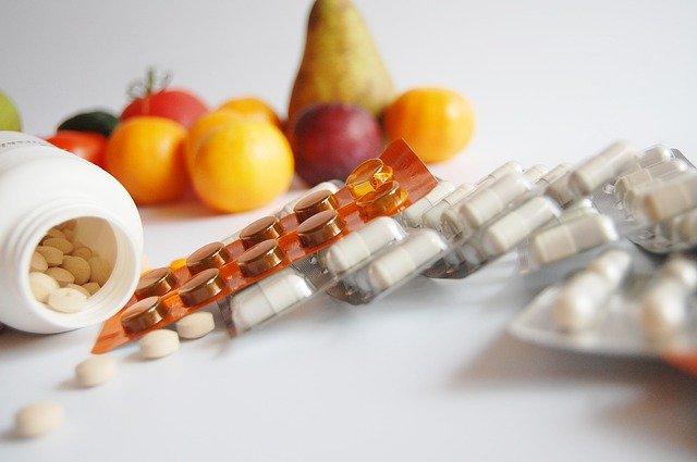 łączenie leków z jedzeniem